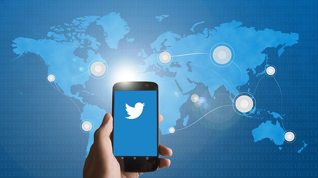 twitter on mobile devices allows connecting to the whole world